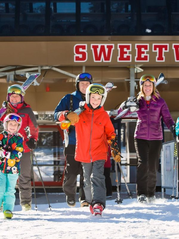 kids ski free jackson hole wyoming
