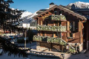 Hotel-Le-Monts-Charvin_Courchevel_vista_externa.jpg
