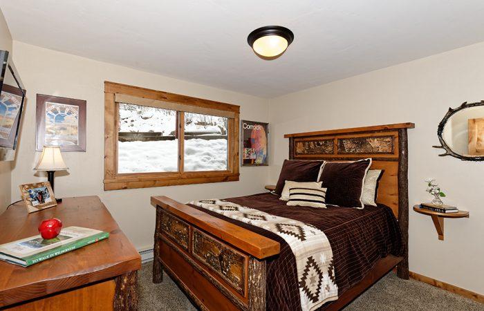 Crestwood- 1 Bedroom Premier Condo