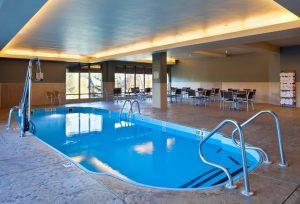 DoubleTree by Hilton - piscina