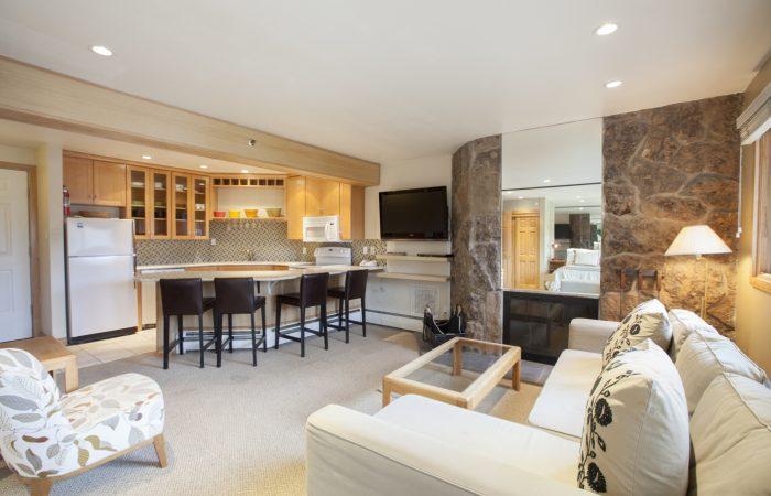 Laurelwood Snowmass Studio Deluxe Living Area