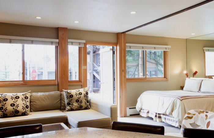 Laurelwood Snowmass_Studio Deluxe Bed