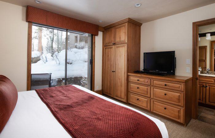 The Gant-Deluxe Suite Bedroom