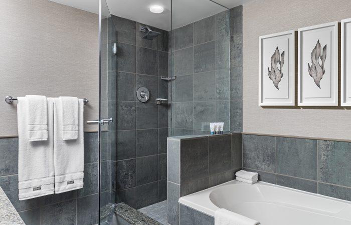 Westin Whistler- Banheiro do 1 Bedroom Suite