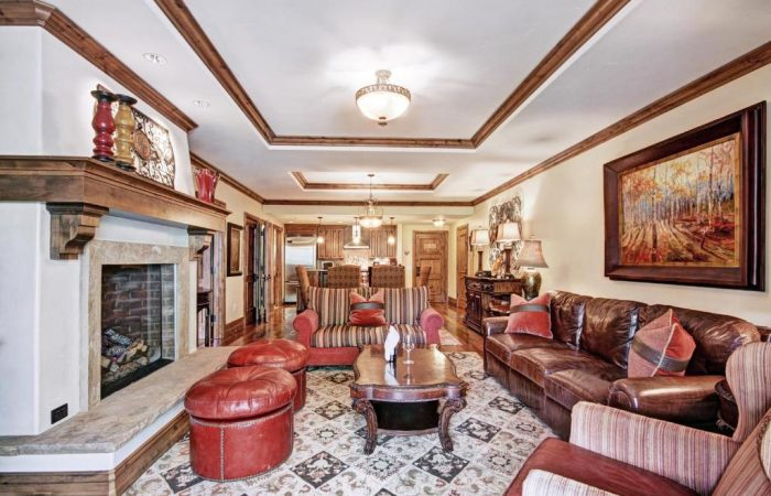 Arrabelle at Vail Square - 1 Bedroom Condo - Living
