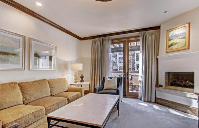 Arrabelle at Vail Square - Suite Junior - Living