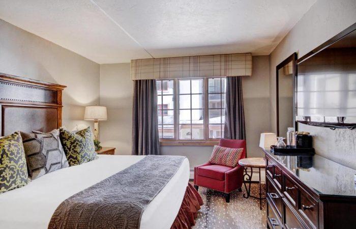 Lodge at Vail - 1 Bedroom Condo - Quarto com 1 King