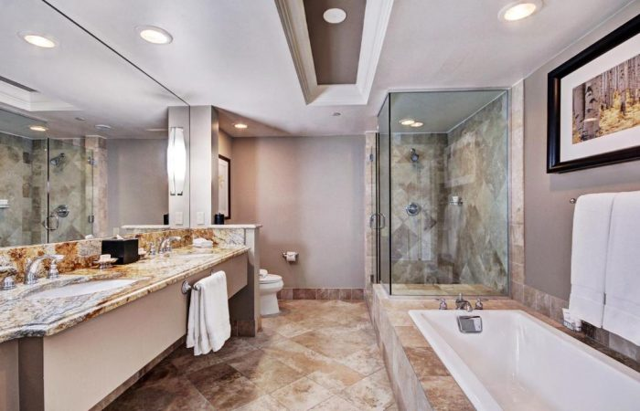 Lodge at Vail - Luxury Suite - Banheiro