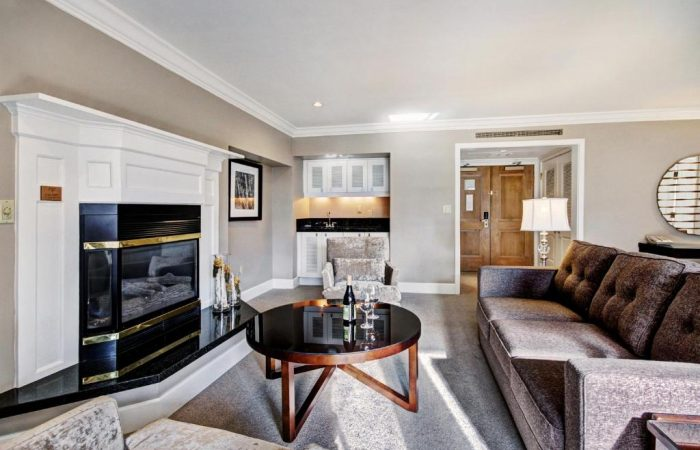 Lodge at Vail - Luxury Suite - Living