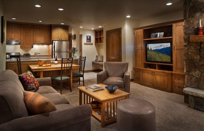 Manor Vail Lodge - 1 Bedroom Platinum - Living