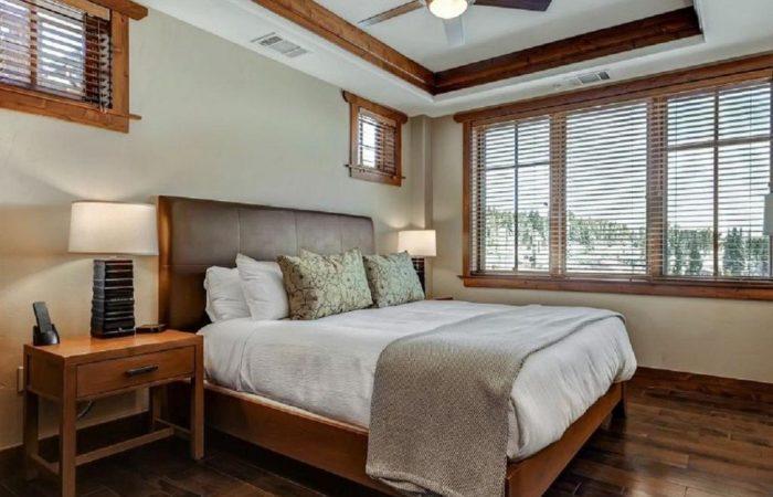 One Ski Hill Place - 2 Bedroom Condo - Quarto
