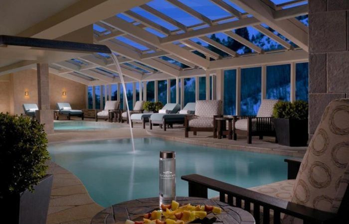 One Ski Hill Place - Piscina