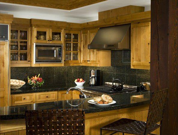 Snake River Lodge - Condo Kitchen