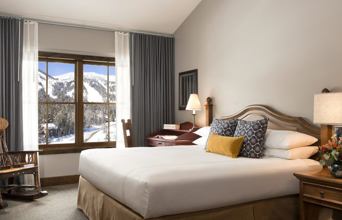 Teton Mountain Lodge - Bi-Level Suite - Master Bedroom With King Bed