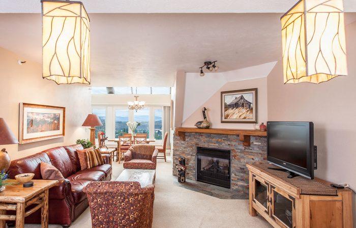 The Logde at Mountain Village - 2-Bedroom-Condominium-Deluxe-Room_Living_Area