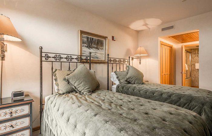 The_Caledonian_2-bedroom-standard - 2 Twins