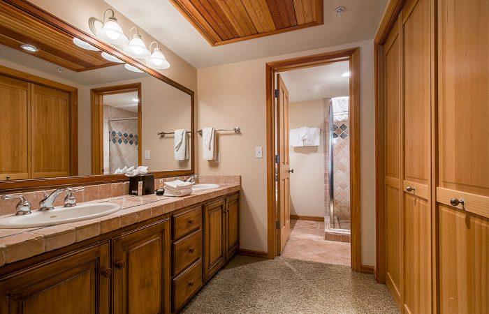 The_Caledonian_2-bedroom-with-spa-deluxe-Bathroom