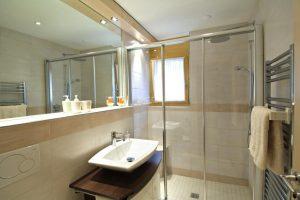 Haus_Bor_Zermatt_banheiro