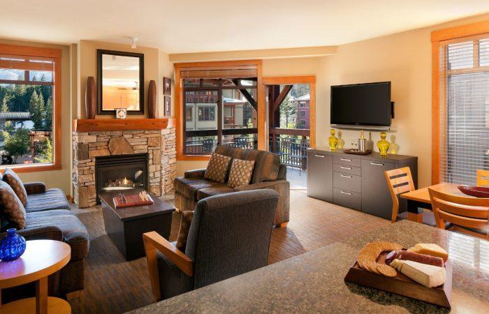 The Village Lodge_Mammoth- Área de estar - Condos de 1 e 2 quartos - 2